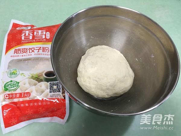 香雪面粉蒸烫面猪肉白菜大饺子的家常做法