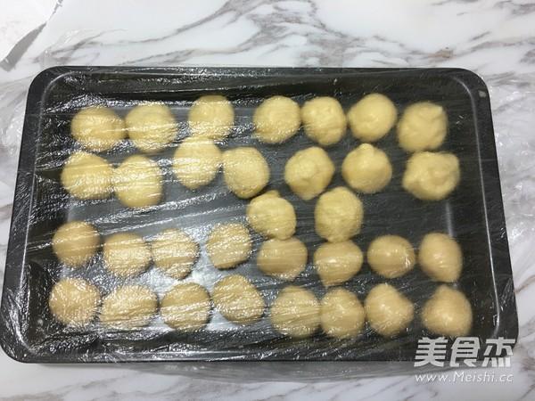 蛋黄酥(黄油+玉米油版)的简单做法
