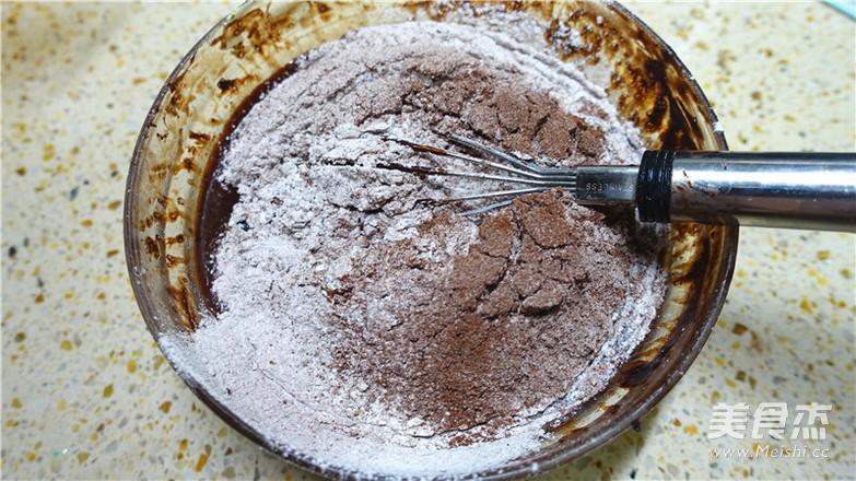 巧克力落叶蛋糕怎么做