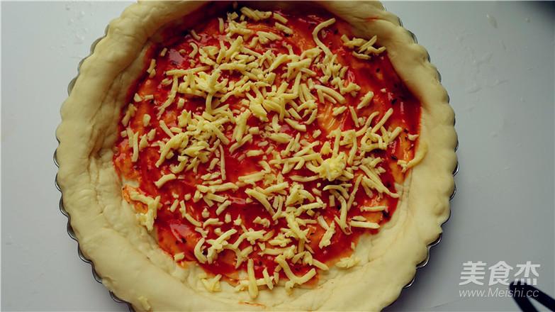 培根田园披萨的制作