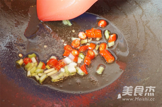 白灼金针菇怎么吃