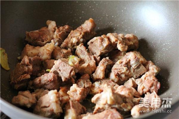 小排骨土豆汤的家常做法