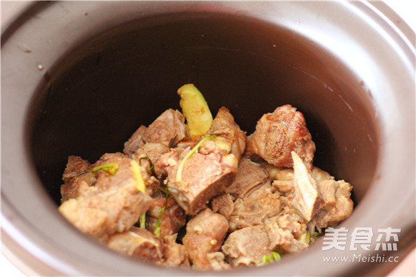 小排骨土豆汤的简单做法