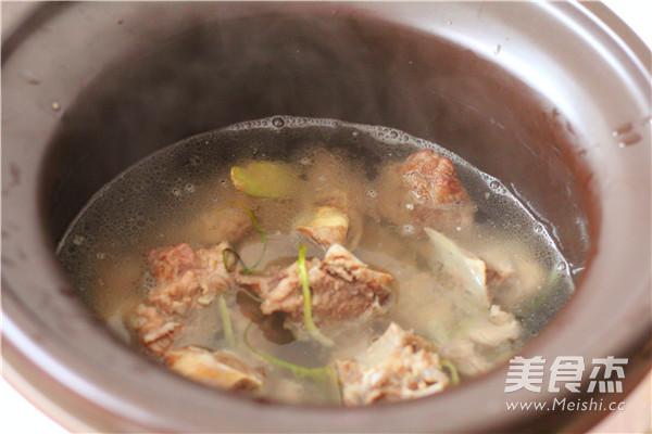 小排骨土豆汤怎么吃
