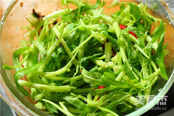 蒜蓉辣炒空心菜的简单做法
