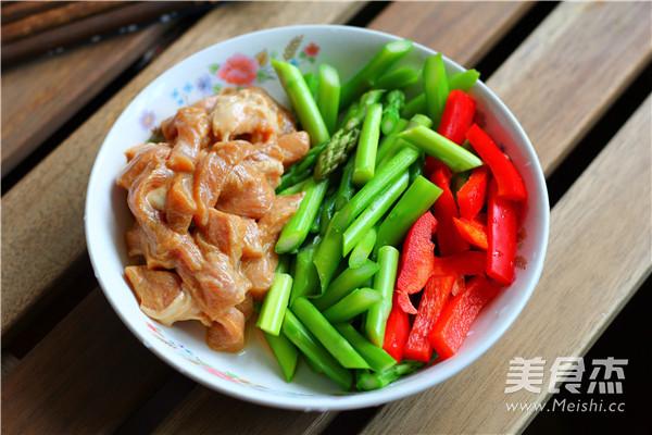 芦笋炒猪柳的做法图解
