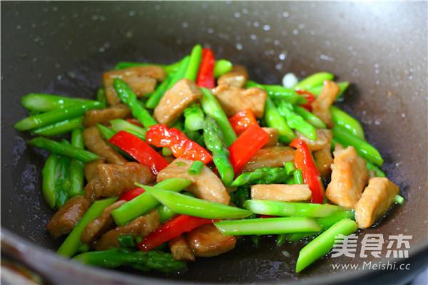 芦笋炒猪柳怎么做