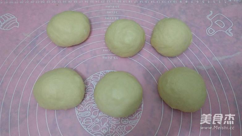 火腿马苏里拉奶酪面包的简单做法