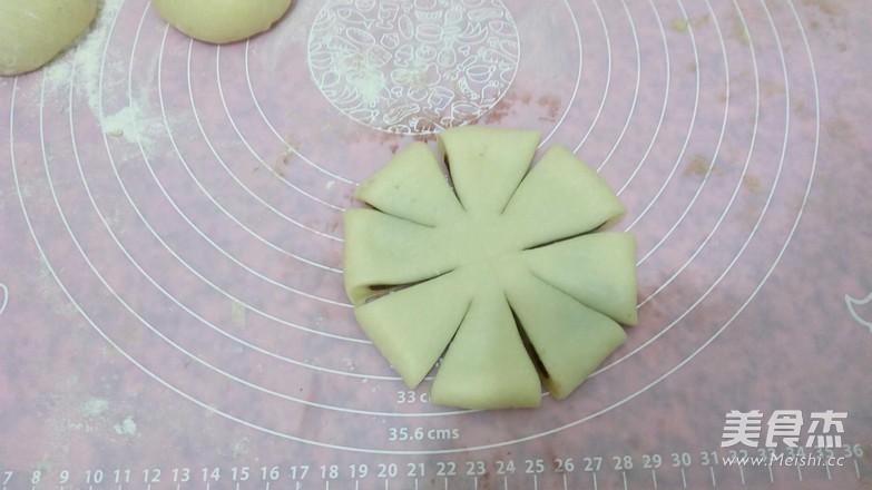 四朵豆沙面包怎么做