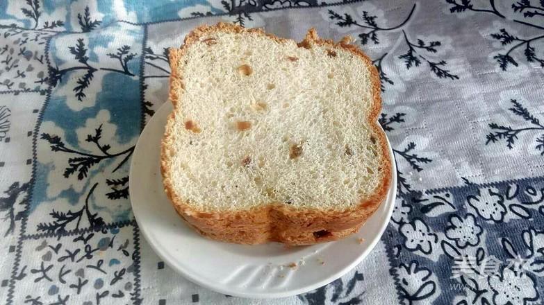 葡萄干吐司面包成品图