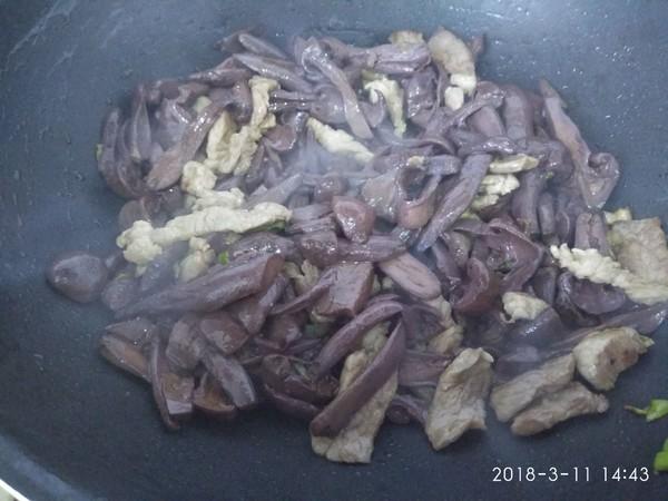肉炒松蘑怎么吃