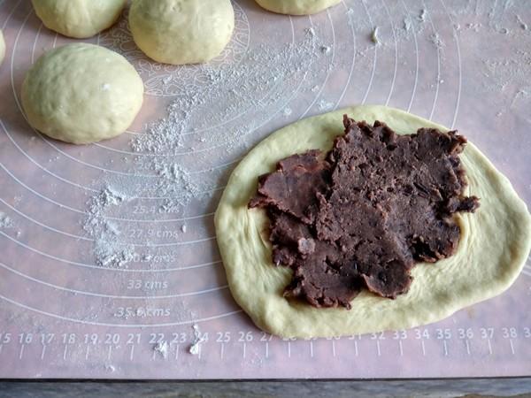 椰蓉豆沙面包的简单做法