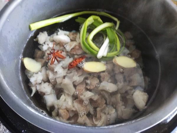 清炖牛肉#午餐#的简单做法