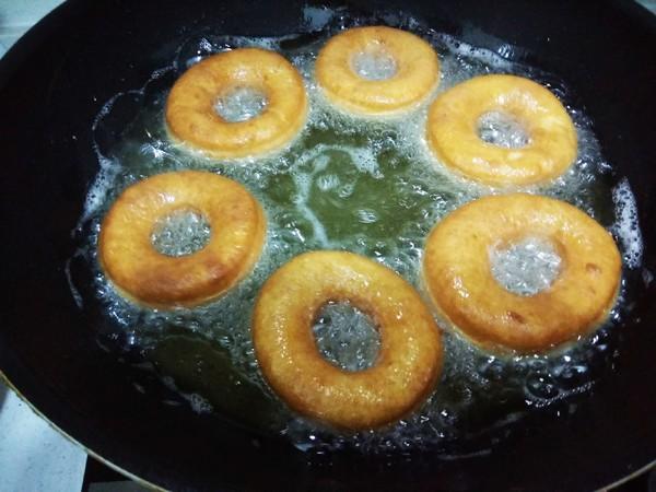 油炸面包圈怎么做
