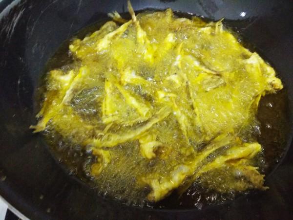 炸小黄花鱼怎么做
