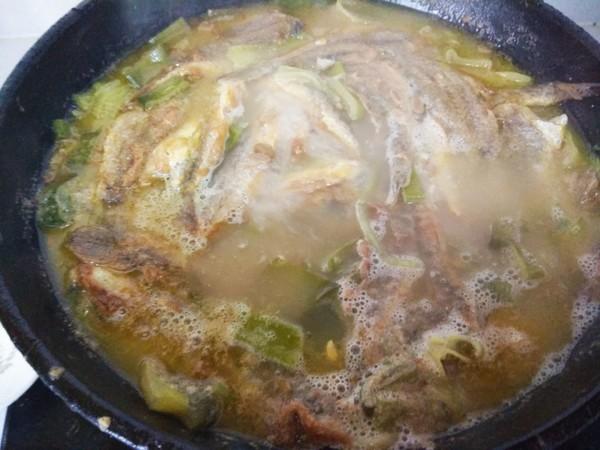 黄豆酱炖小黄花鱼怎么吃