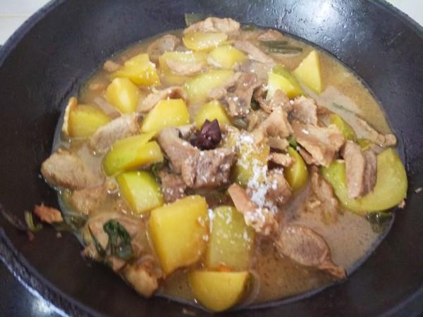 猪肉炖土豆怎么吃