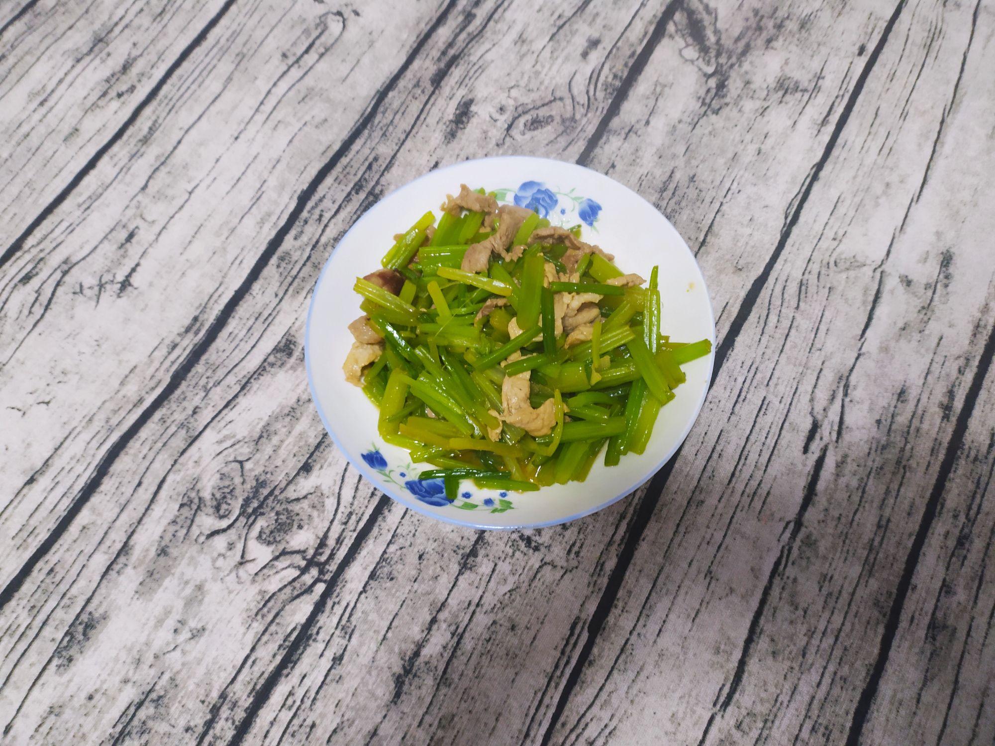 芹菜炒肉的简单做法