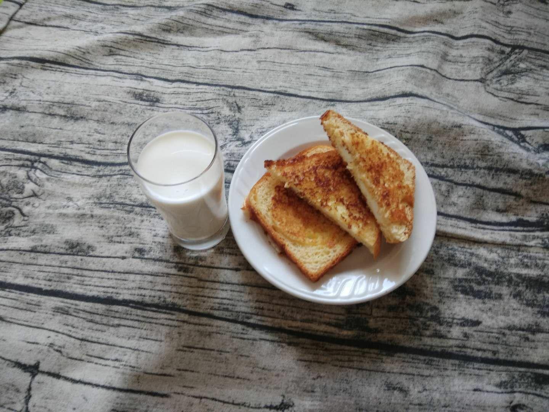 早餐面包片怎么炒