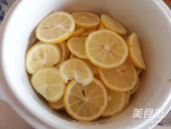 冰糖炖柠檬的家常做法