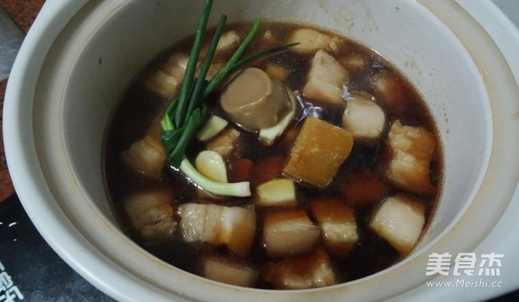 梅菜炖五花肉的简单做法