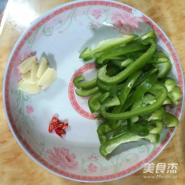 柿子椒炒肉丝的做法图解