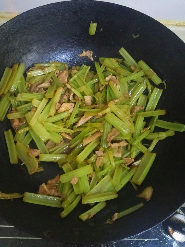 芹菜炒肉怎么煮