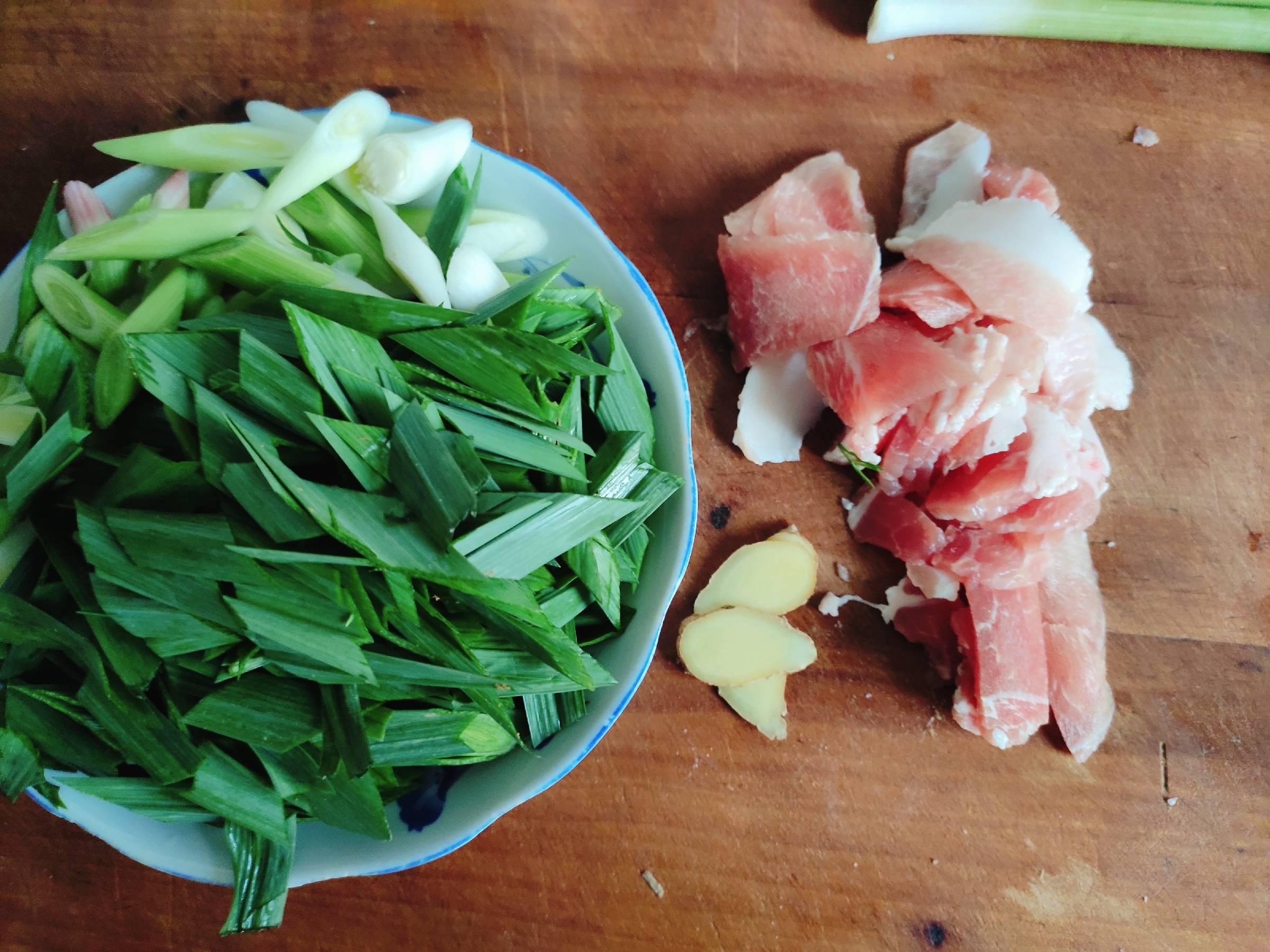 大蒜苗炒肉的做法图解