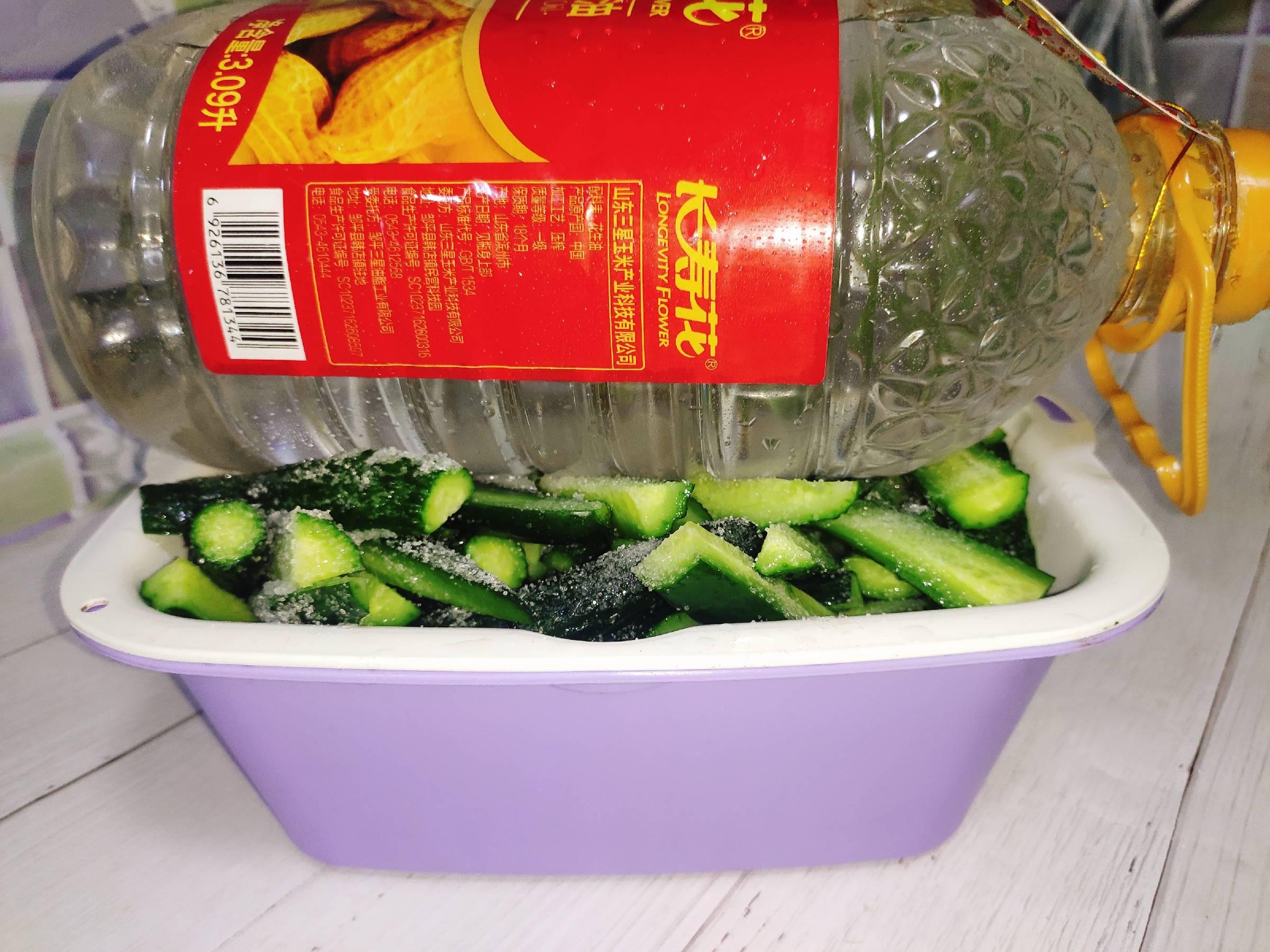 好吃秘制酱黄瓜,百吃不厌的家常做法