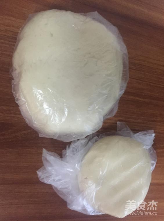 莲蓉蛋黄酥的做法图解