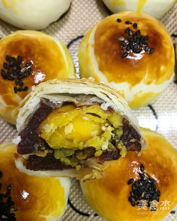 莲蓉蛋黄酥怎样做