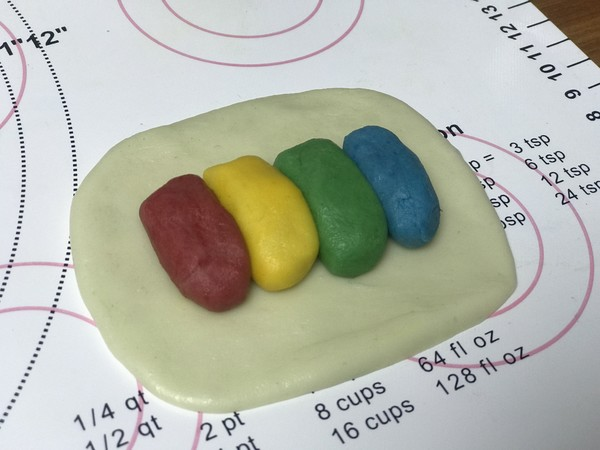 螺旋彩虹蛋黄酥怎样做