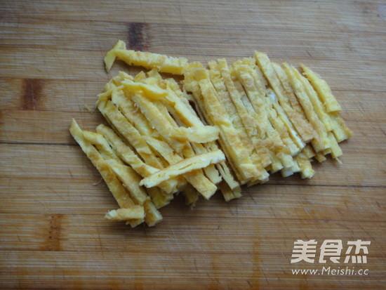芥末菠菜拌木耳的家常做法