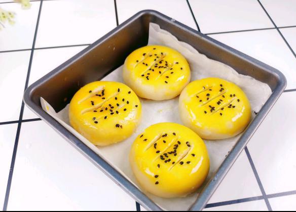 酥软松嫩老婆饼的制作