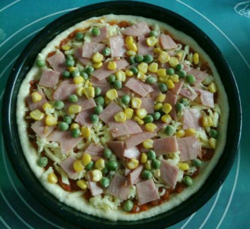 鲜虾火腿披萨怎么煸