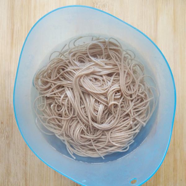 酸辣拌荞麦面的做法图解