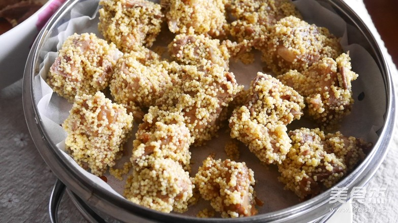 小米香菇蒸排骨怎么吃