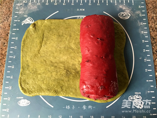 西瓜三色吐司怎么吃