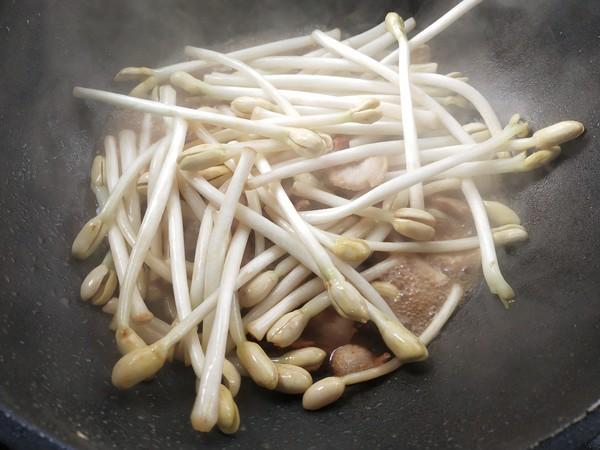 五花肉炒花生芽的简单做法