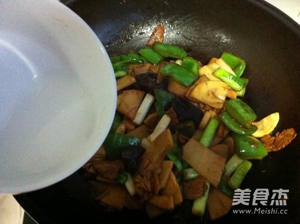 竹笋炒肉片怎样煸
