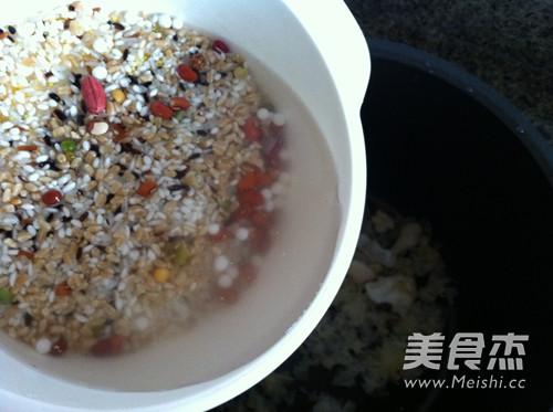 银耳百合阿胶枣粥的简单做法