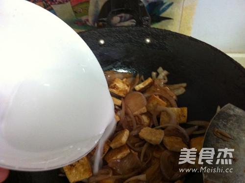 圆葱烧豆腐怎么做