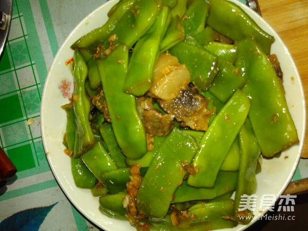 青扁豆炒五花肉的简单做法