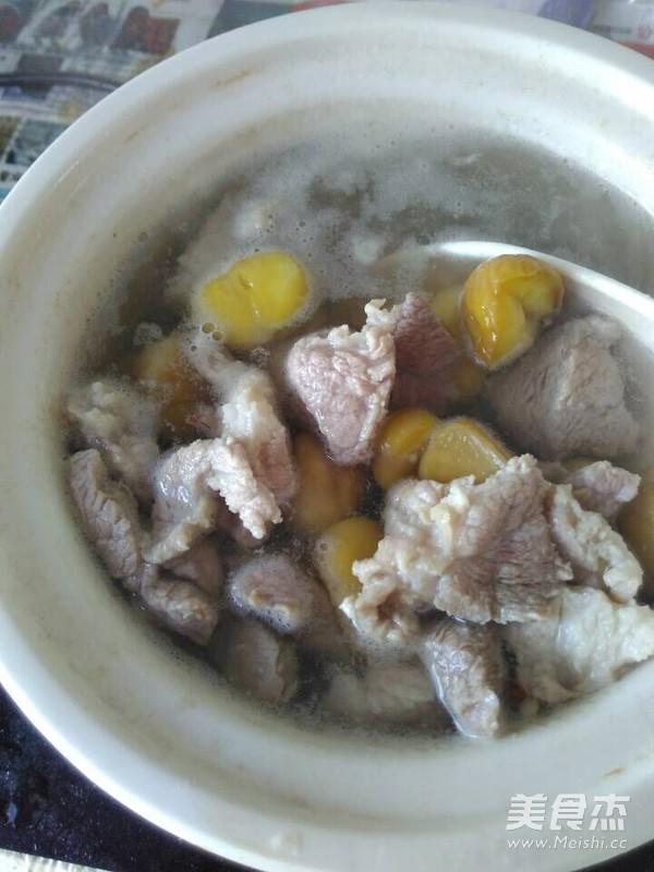 粟子煲猪肉汤的步骤