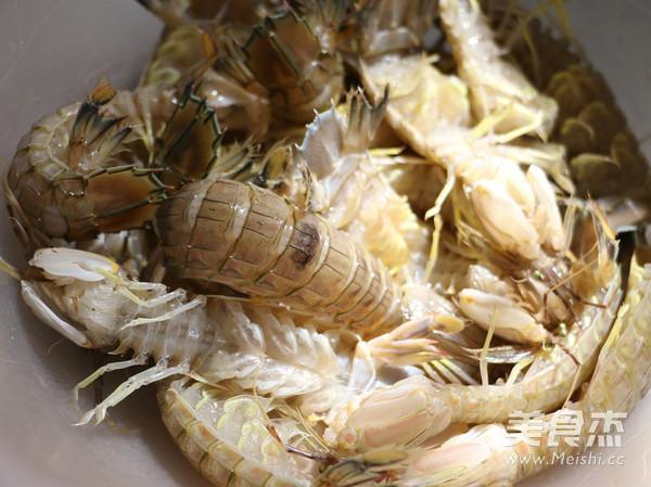 椒盐濑尿虾的步骤