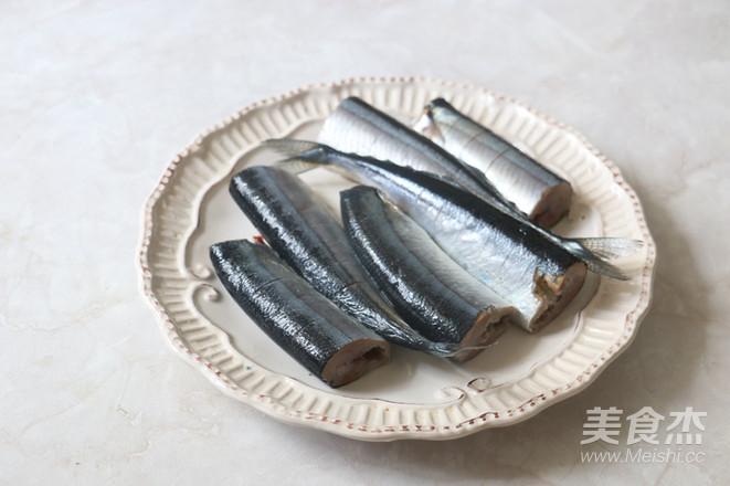 盐烤秋刀鱼的做法图解