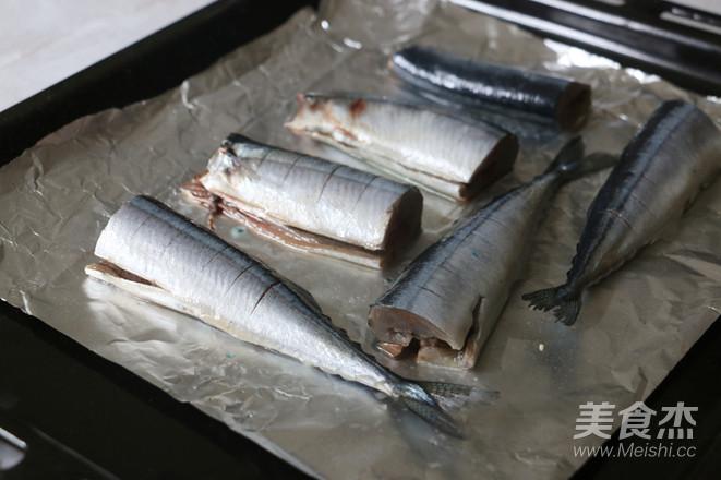 盐烤秋刀鱼的家常做法
