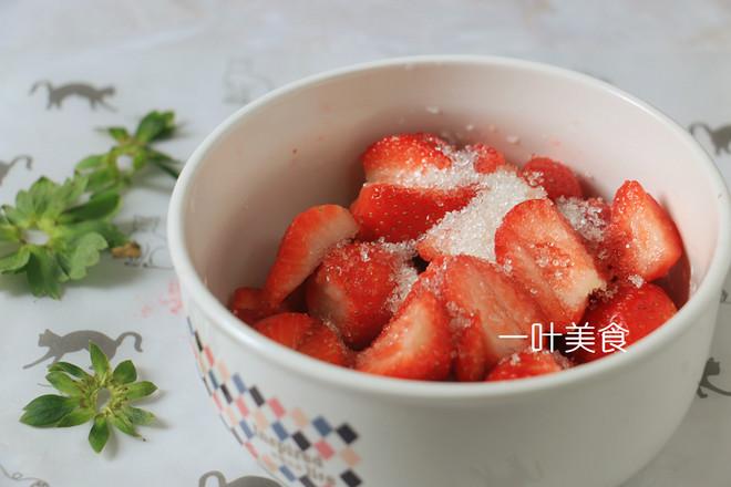 草莓芝士慕斯的步骤