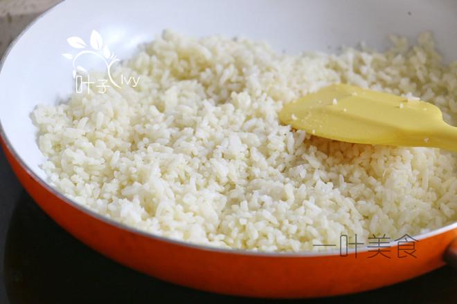 辣白菜虾仁炒饭的家常做法