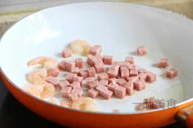 辣白菜虾仁炒饭的简单做法